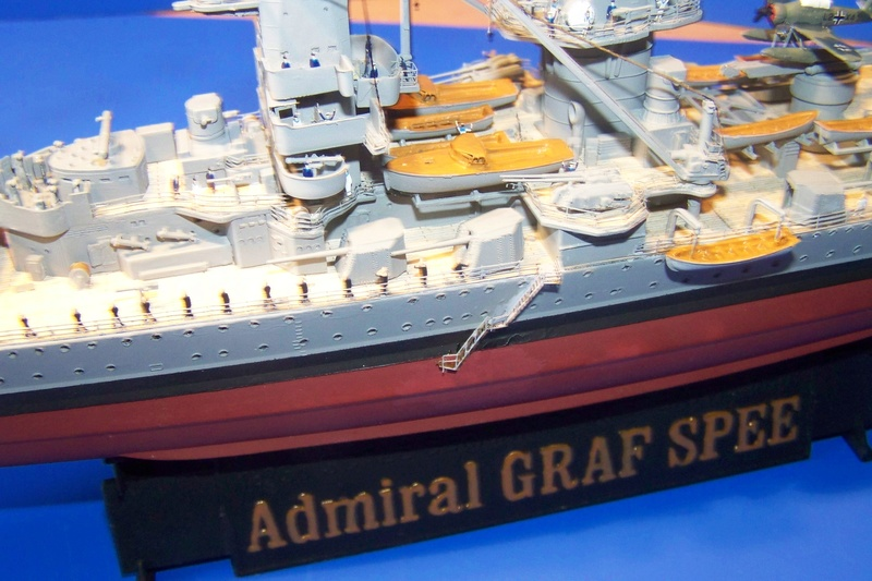 Graf Spee von Trumpeter in 1:350 102_4029