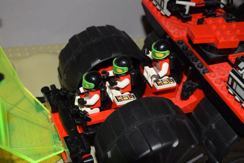 Lego M: Tron (1990-1991) 6989b10
