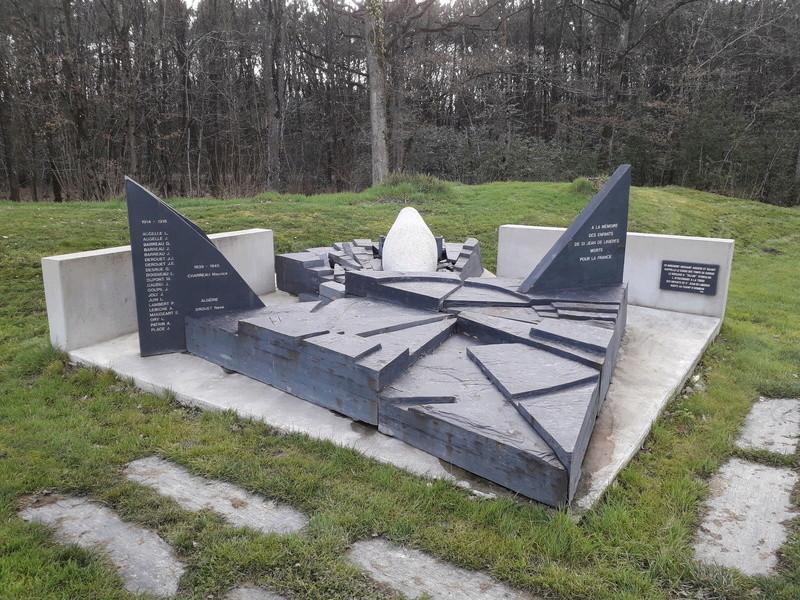 [ Histoires et histoire ] Monuments aux morts originaux Français Tome 2 - Page 5 001_210