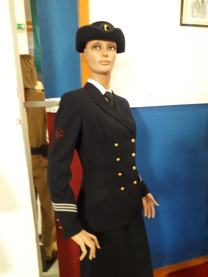 [ Les musées en rapport avec la Marine ] Conservatoire des tenues à Toulon - Page 6 04310