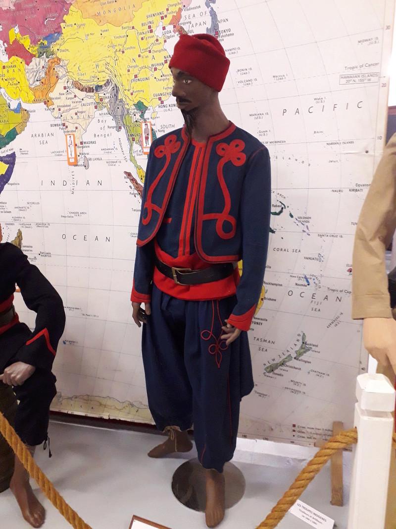 [ Les musées en rapport avec la Marine ] Conservatoire des tenues à Toulon - Page 7 07910