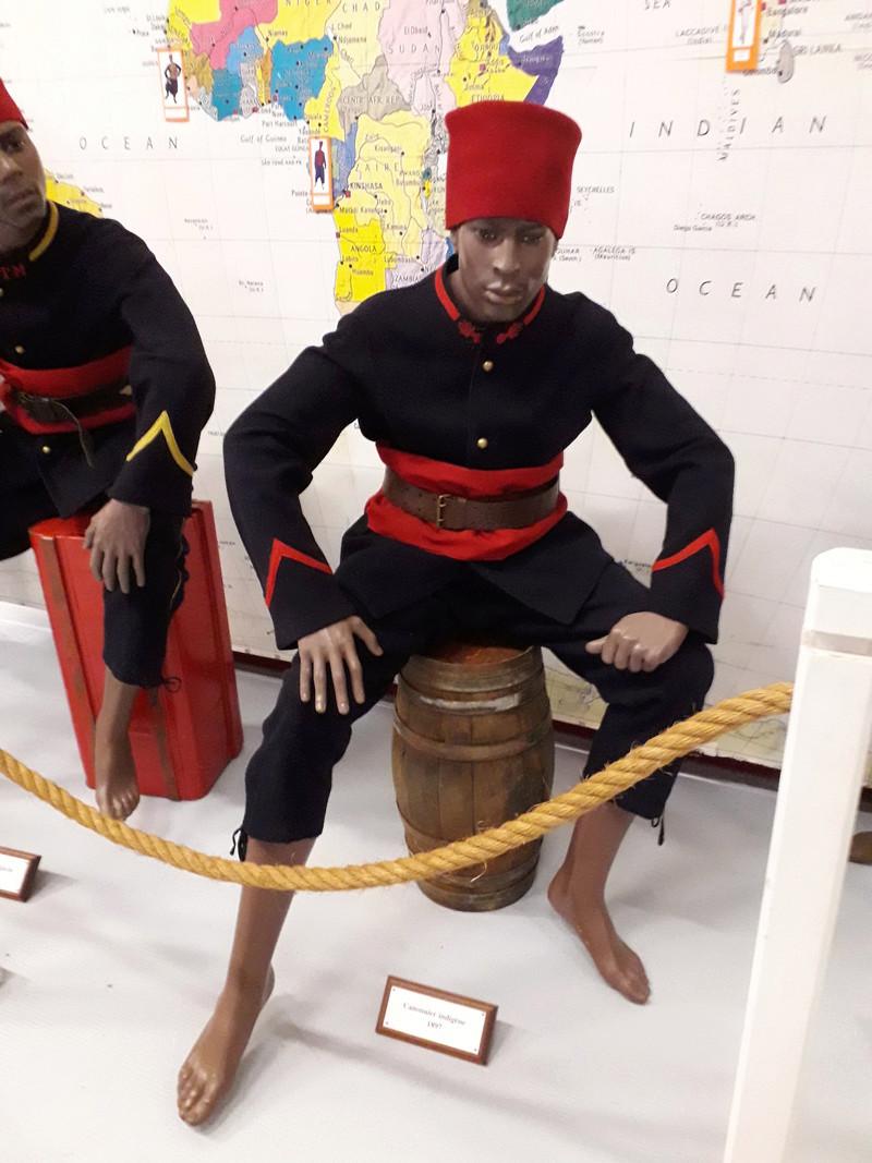 [ Les musées en rapport avec la Marine ] Conservatoire des tenues à Toulon - Page 7 08010