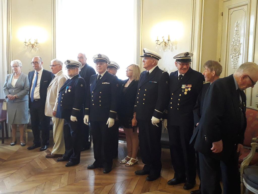 [ Associations anciens Marins ] Parrainage de l'AMMAC d'Angers amiral Yann Bordier 08312