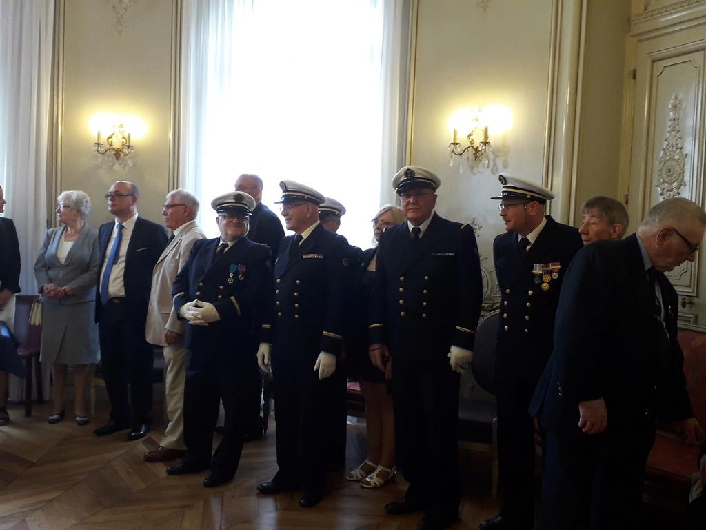 [ Associations anciens Marins ] Parrainage de l'AMMAC d'Angers amiral Yann Bordier 08411