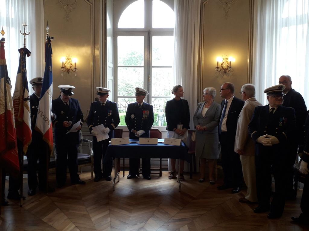 [ Associations anciens Marins ] Parrainage de l'AMMAC d'Angers amiral Yann Bordier 08513
