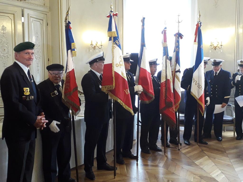 [ Associations anciens Marins ] Parrainage de l'AMMAC d'Angers amiral Yann Bordier 08614