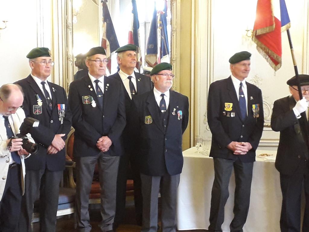 [ Associations anciens Marins ] Parrainage de l'AMMAC d'Angers amiral Yann Bordier 08811