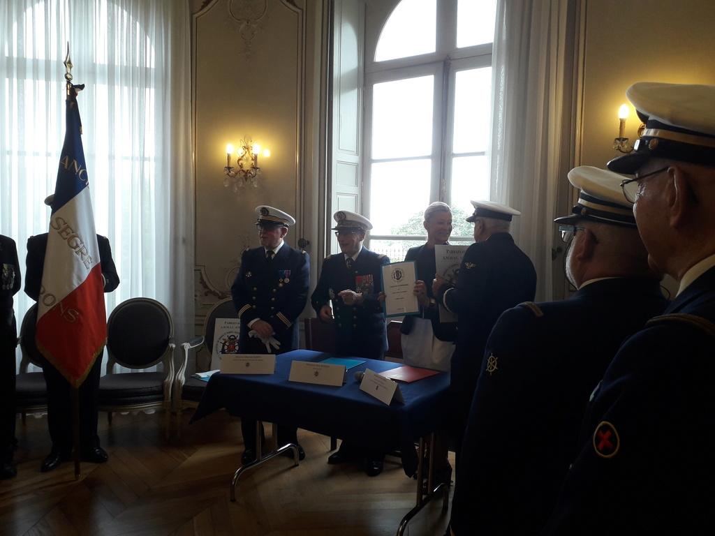 [ Associations anciens Marins ] Parrainage de l'AMMAC d'Angers amiral Yann Bordier 09411