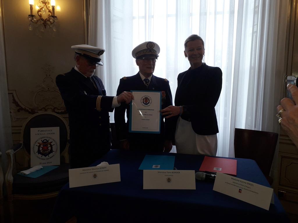 [ Associations anciens Marins ] Parrainage de l'AMMAC d'Angers amiral Yann Bordier 09812