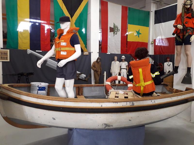 [ Les musées en rapport avec la Marine ] Conservatoire des tenues à Toulon - Page 7 11011