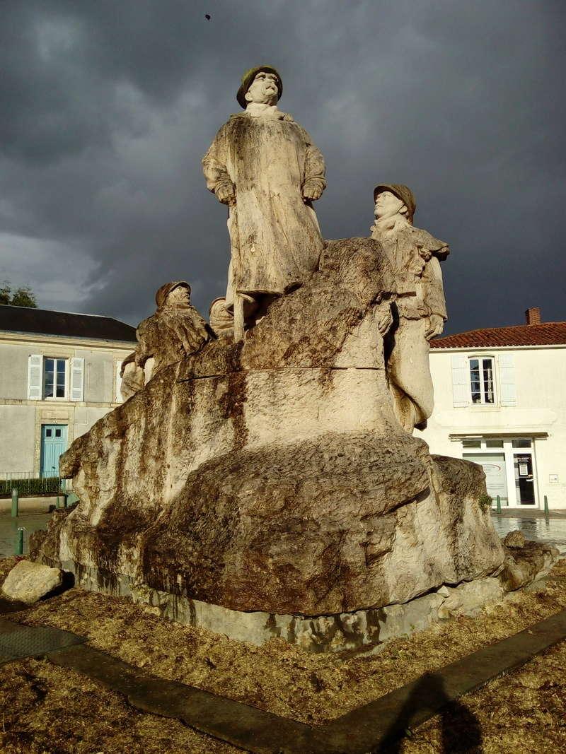 [ Histoires et histoire ] Monuments aux morts originaux Français Tome 2 - Page 3 112810