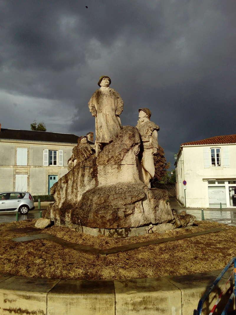 [ Histoires et histoire ] Monuments aux morts originaux Français Tome 2 - Page 3 112910