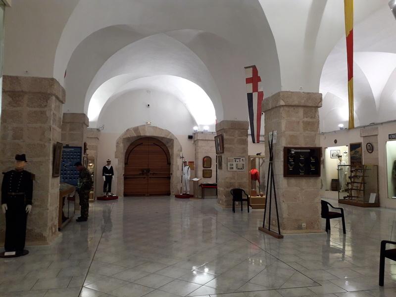 [ Les musées en rapport avec la Marine ] Conservatoire des tenues à Toulon - Page 7 12810