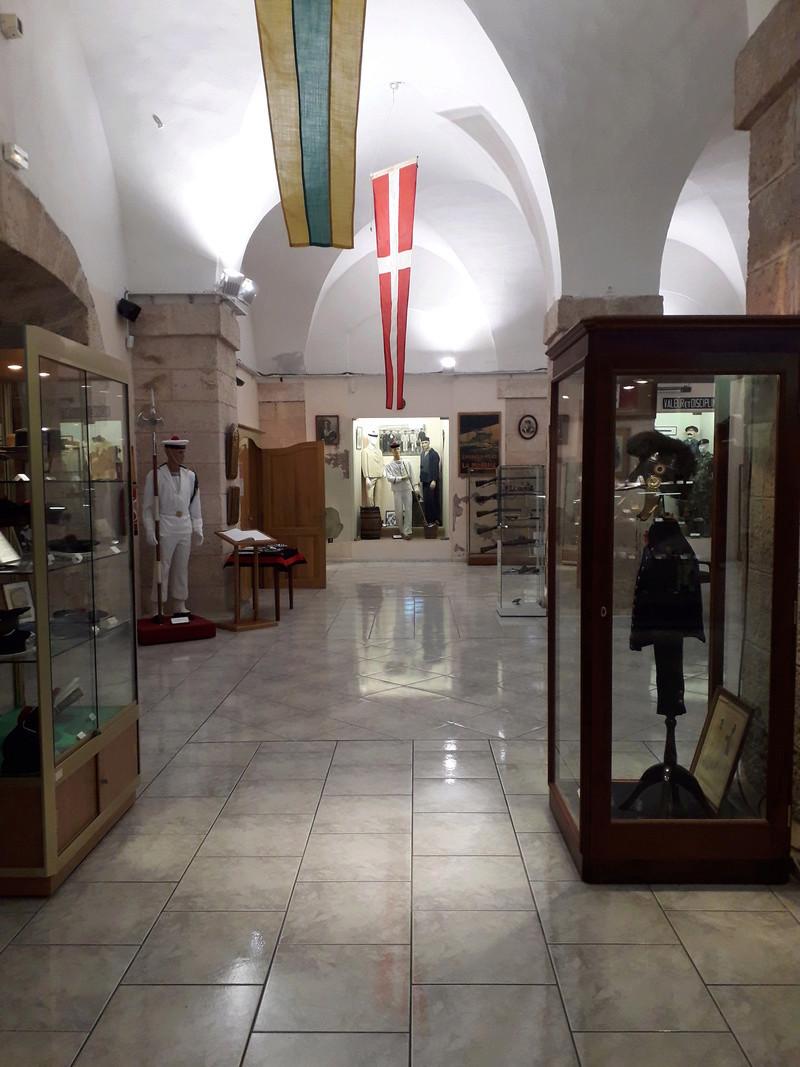 [ Les musées en rapport avec la Marine ] Conservatoire des tenues à Toulon - Page 7 14810
