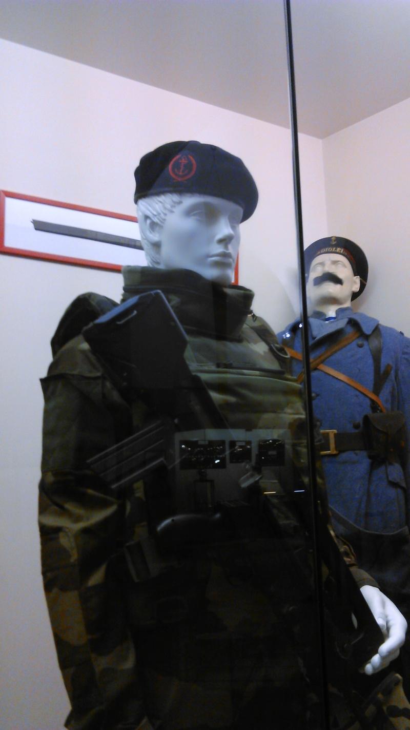 [ Les musées en rapport avec la Marine ] Conservatoire des tenues à Toulon - Page 5 175510