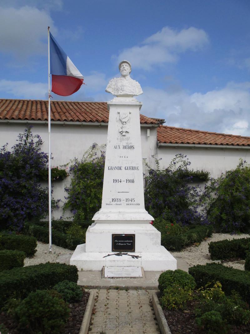 [ Histoires et histoire ] Monuments aux morts originaux Français Tome 2 - Page 3 42010