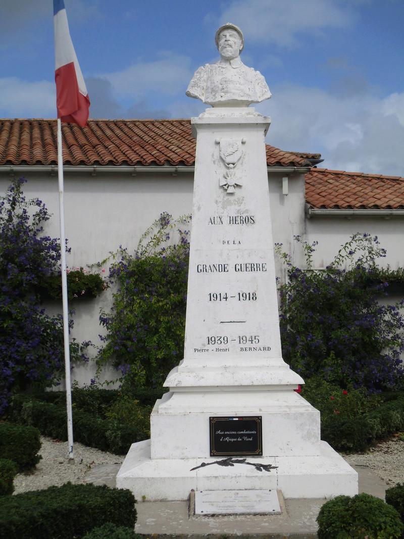 [ Histoires et histoire ] Monuments aux morts originaux Français Tome 2 - Page 3 42110