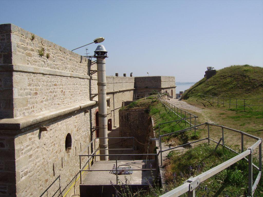 [HISTOIRES ET HISTOIRE] Le fort de Penthièvre (56) Imgp3317
