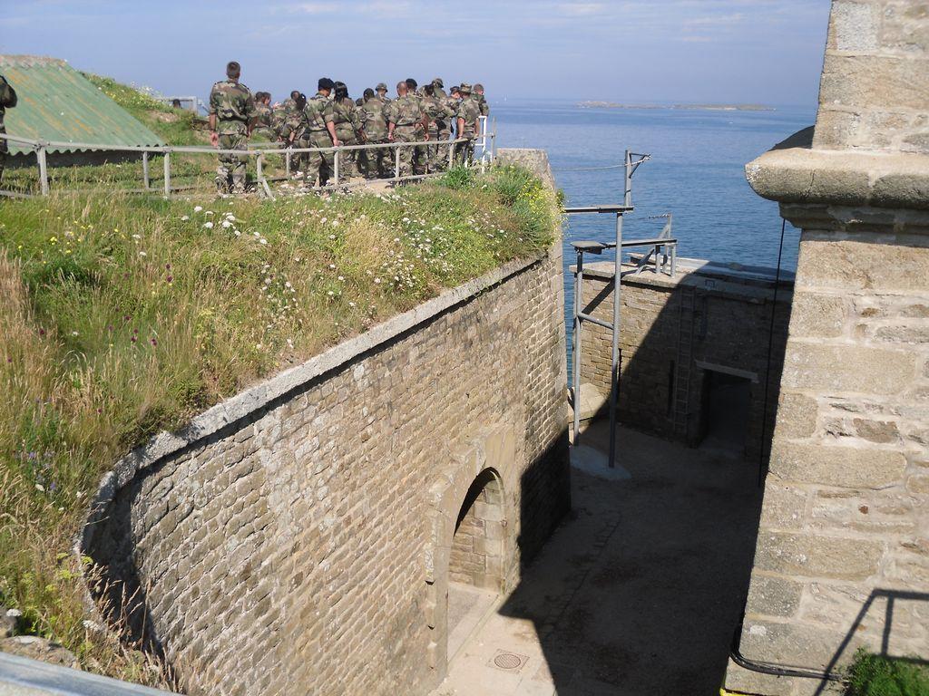 [HISTOIRES ET HISTOIRE] Le fort de Penthièvre (56) Sdc10115