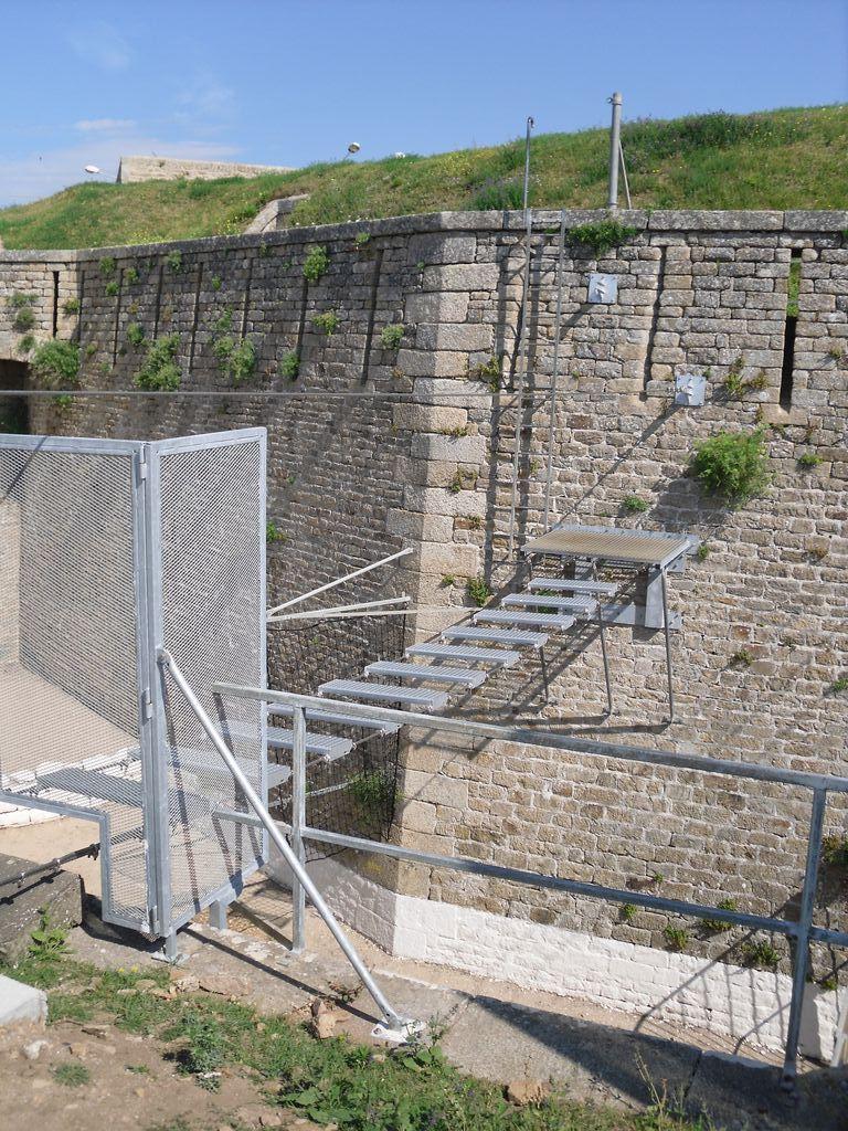 [HISTOIRES ET HISTOIRE] Le fort de Penthièvre (56) Sdc10135