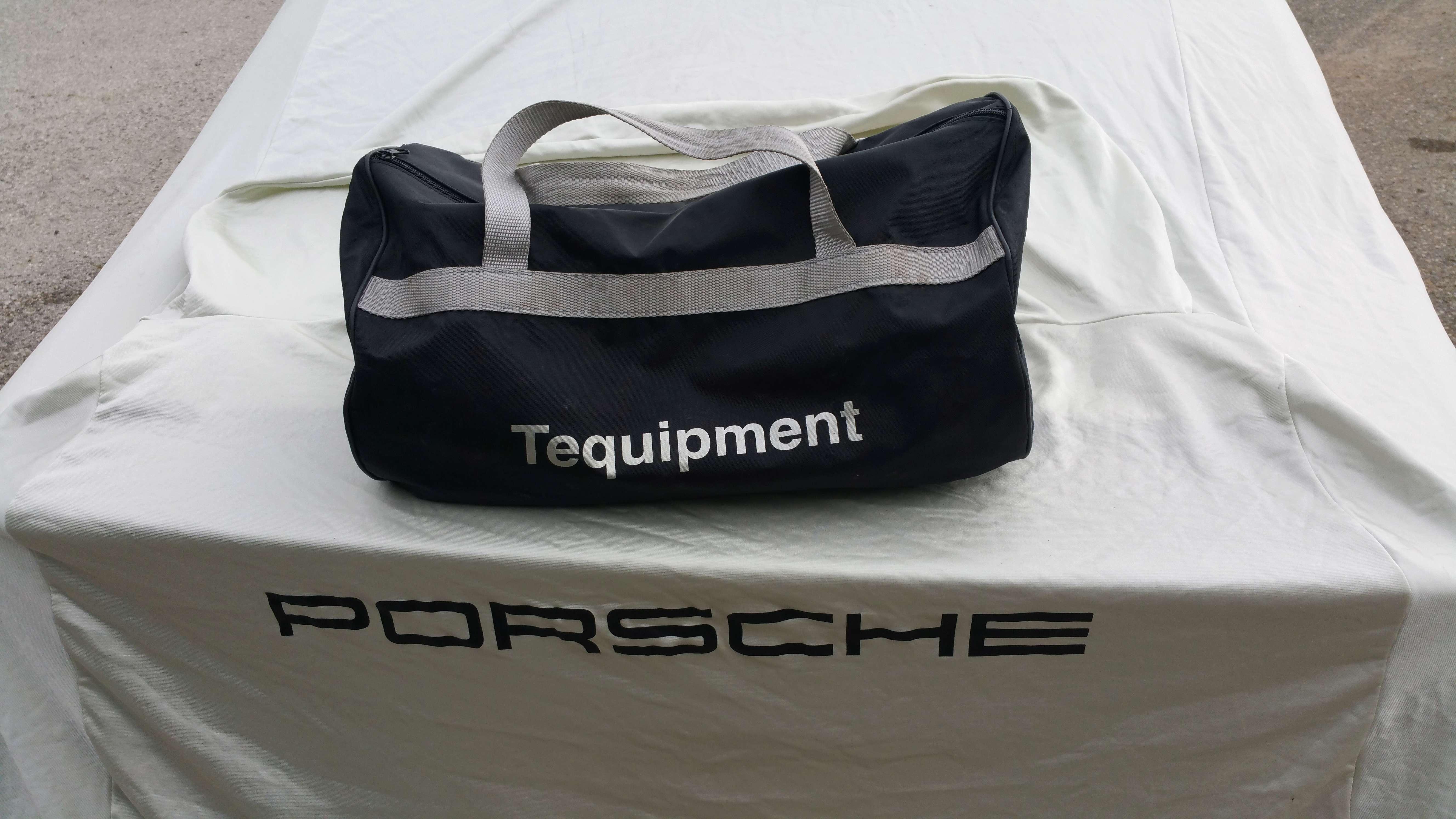 *VENDUE* Housse de protection Porsche 996 Housse14