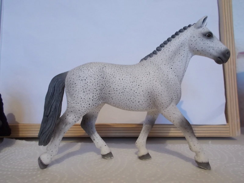 I started with repainting - Schleich horses - Page 2 Fliege10