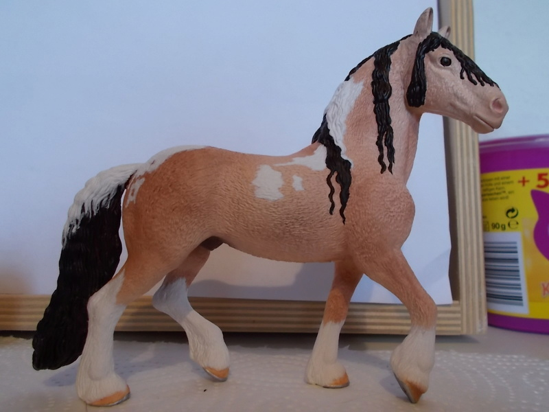 I started with repainting - Schleich horses - Page 2 Friese11