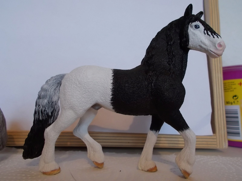 I started with repainting - Schleich horses - Page 2 Friese12