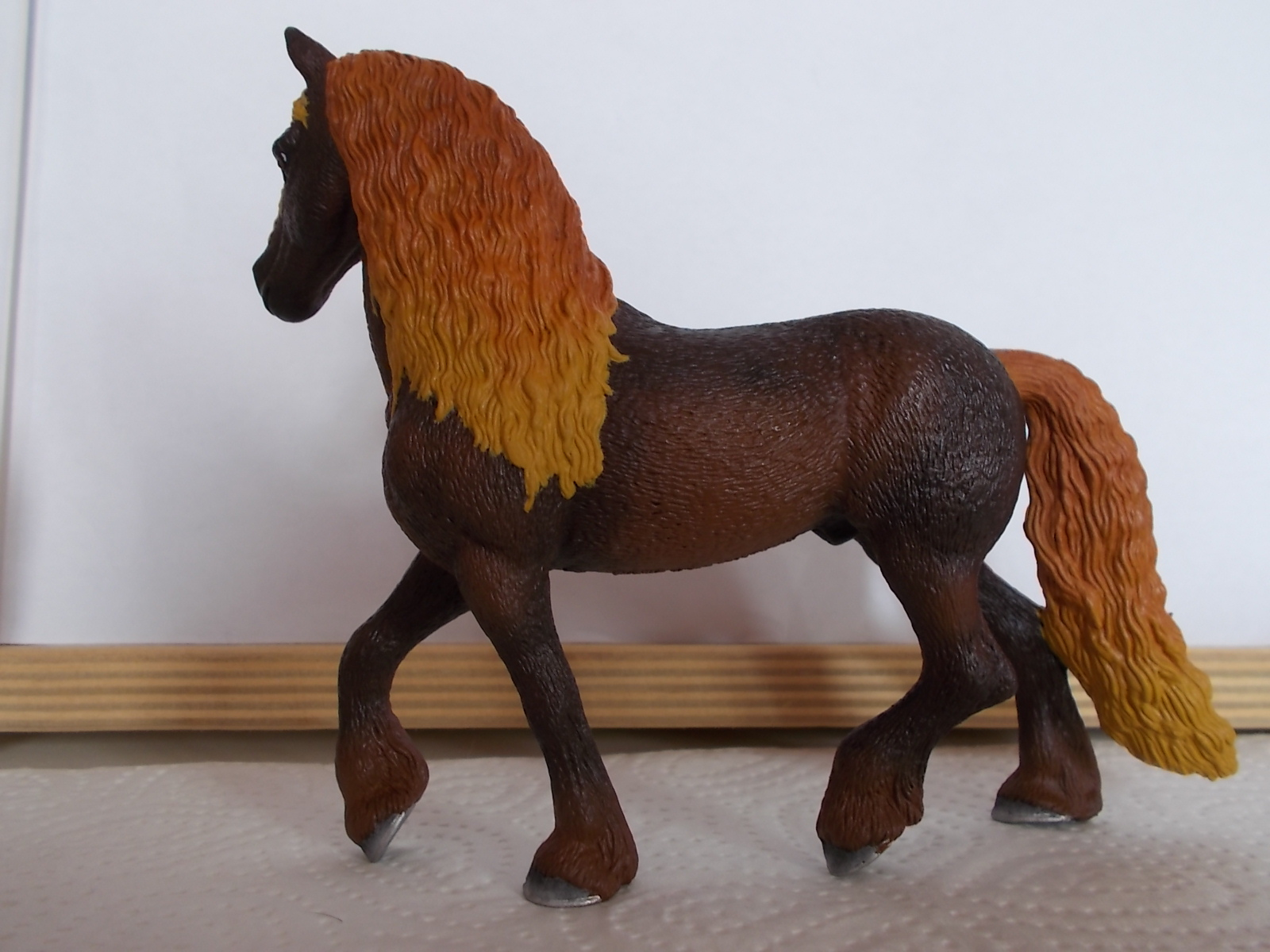 I started with repainting - Schleich horses - Page 3 Friese22