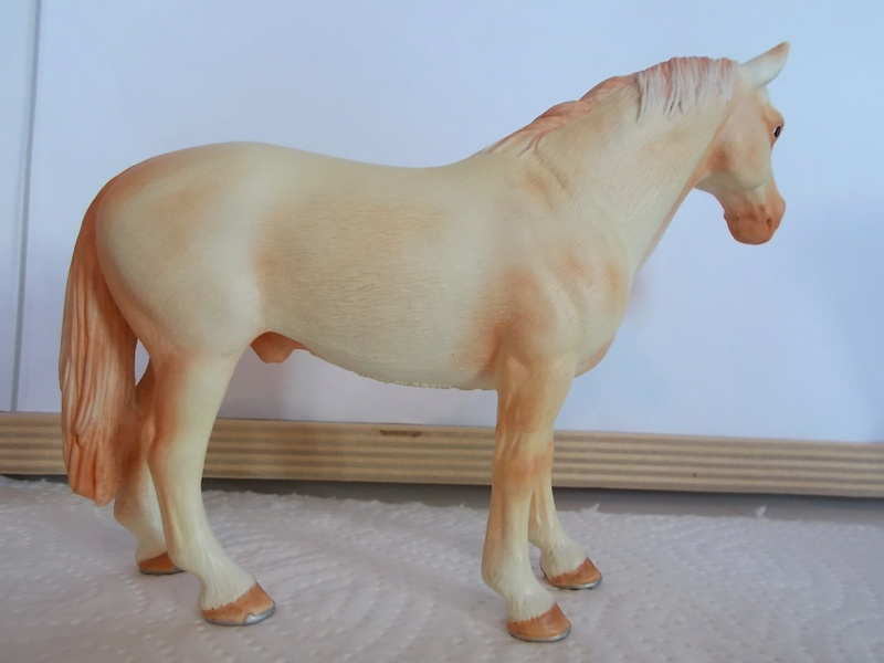 I started with repainting - Schleich horses - Page 2 Hanno_23