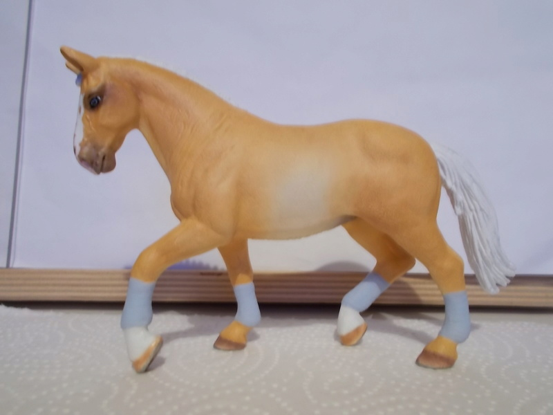 I started with repainting - Schleich horses - Page 2 Hannov15