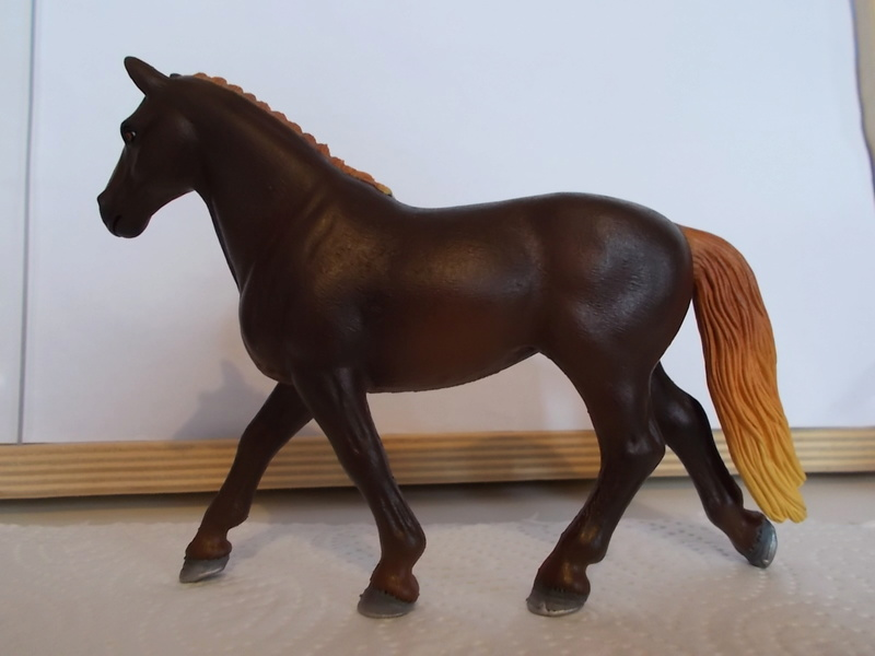 I started with repainting - Schleich horses - Page 3 Hannov16