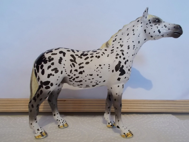 I started with repainting - Schleich horses Knabst10