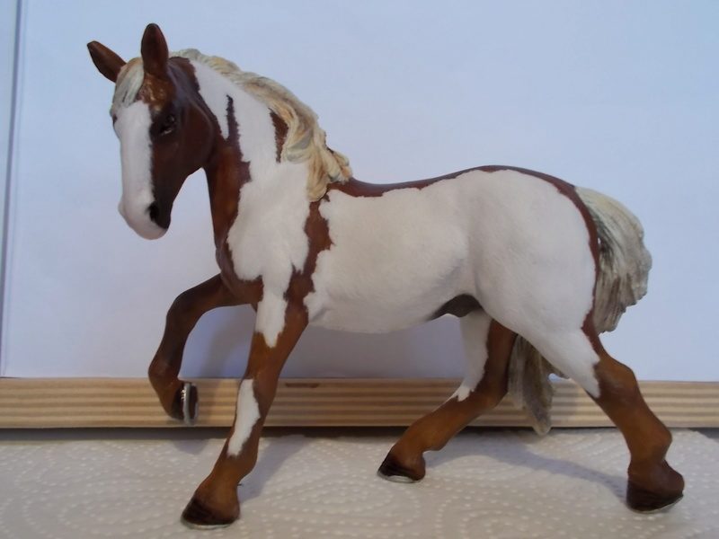 I started with repainting - Schleich horses Lusita10