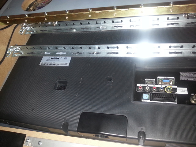 "[WIP 100%] 2° pincab, 43"" 4K/27"" fHD/Pin2DMD/SSF/LEDstrips/Contacters/Knocker/Audio LEDs - Page 3 Img_2013"