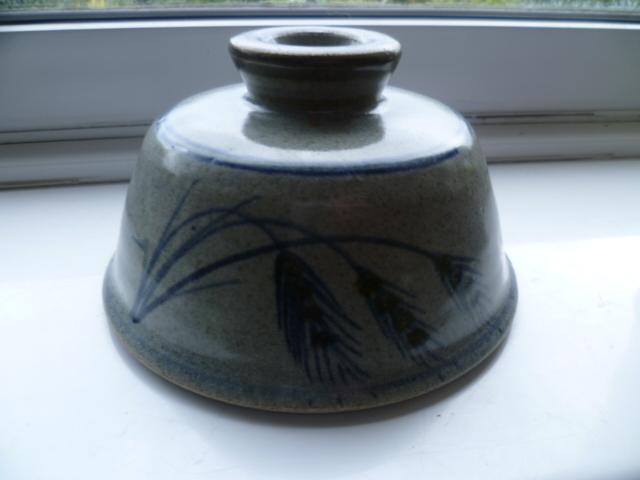 Wheat Head decorated bowl - Robert Tinnyunt? P1270417
