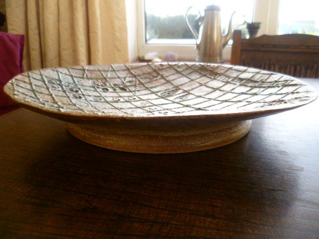 Grid Line Impresed Design 28 cm Dish P1290814