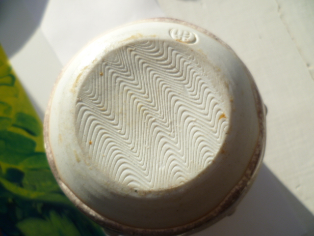 Lotus Pottery (Devon) P1290829