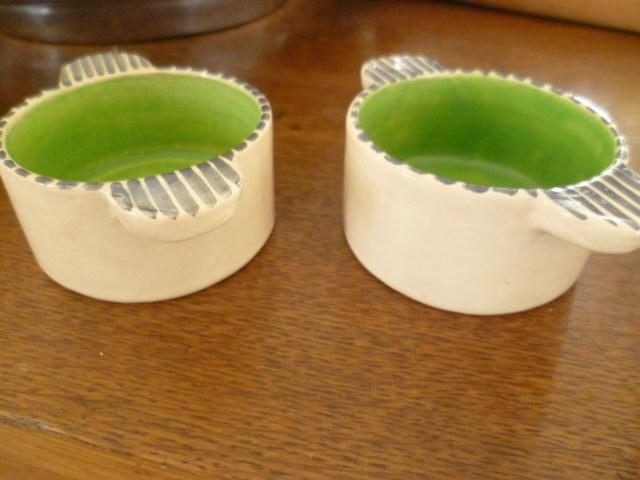 Little handled bowls - a little Art Deco 1930's look P1300510