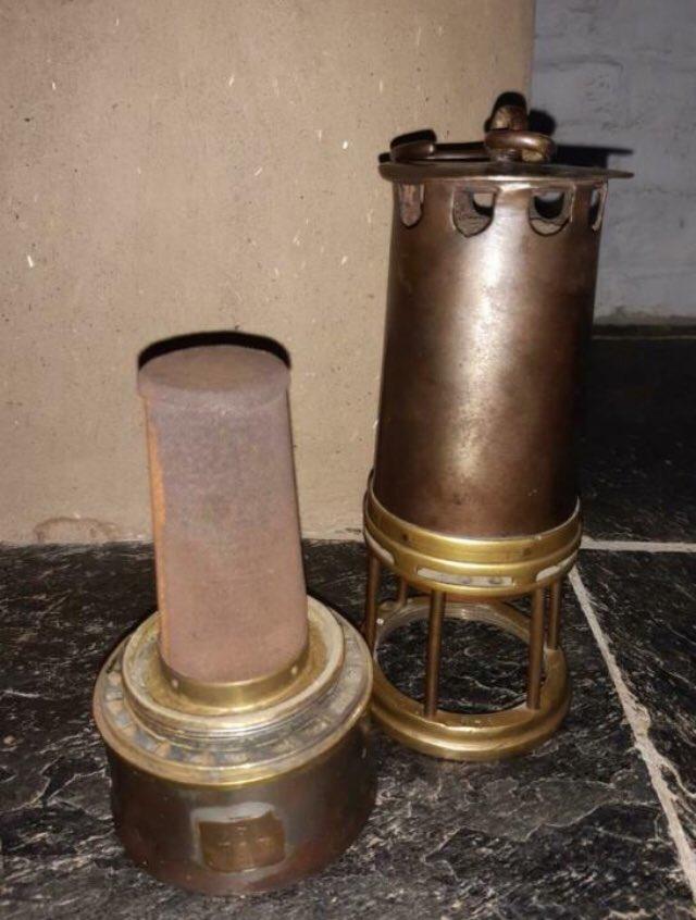 lampes de mineurs,  divers objets de mine, outils de mineur et documents  - Page 12 Ww10