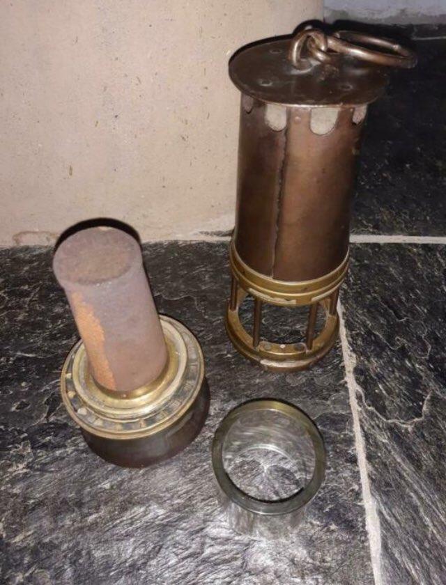 lampes de mineurs,  divers objets de mine, outils de mineur et documents  - Page 12 Www10