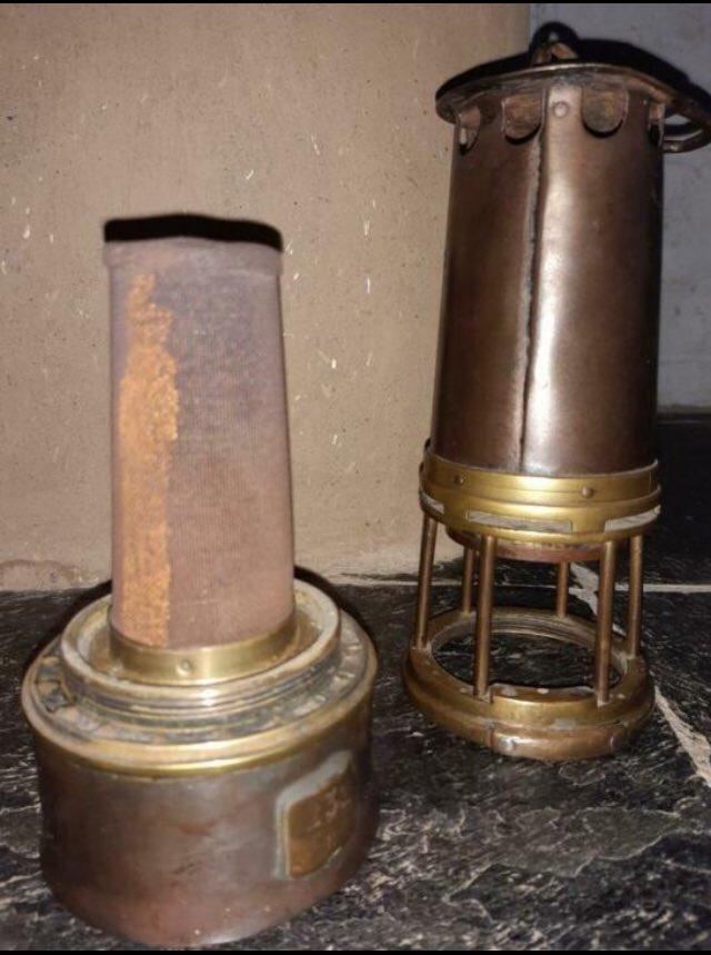 lampes de mineurs,  divers objets de mine, outils de mineur et documents  - Page 12 Wwww10