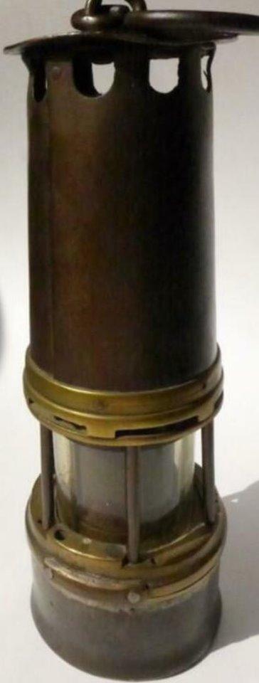 lampes de mineurs,  divers objets de mine, outils de mineur et documents  - Page 12 Xx10