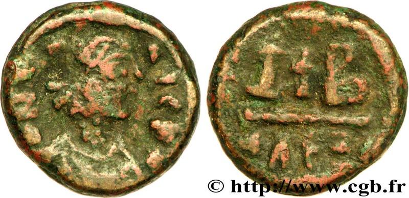 12 Nummi 527-565 AD, Alexandria Bby_2210