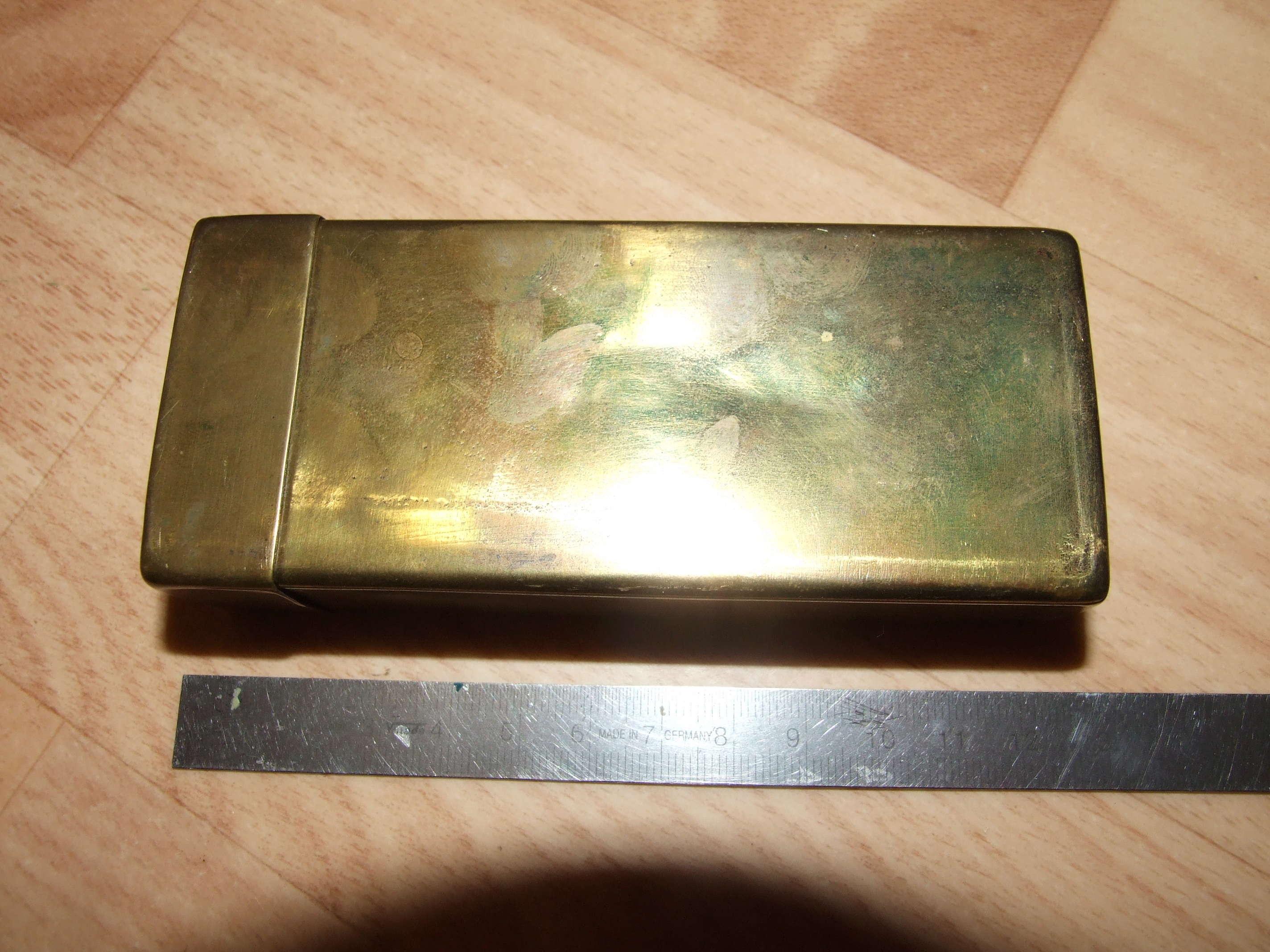 Petite boite en laiton ou cuivre artillerie ? Dscf9015