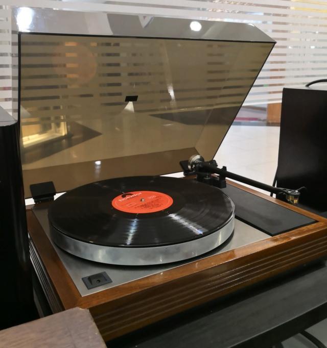 Linn Sondek LP12 Valhalla with Rega RB301 Tonearm Lp12b10