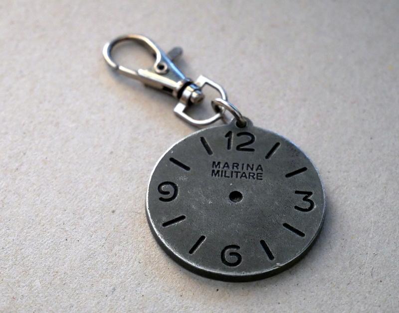 [FEU] ... de Porte-Clefs horlogers ! P1000811