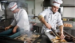 مطعم للواجبات السريعة بكندا: توظيف 20 طباخ آخر أجل 10 ماي 2018  20_cui10