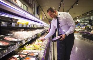 مركب تجاري ممتاز بطنجة توظيف 31 رئيس جناح بعقود تشغيل دائمة CDI Chef-d10