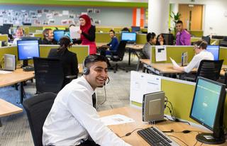 مركز اتصال : توظيف 30 منصب مستشار هاتف ناطقين بالعربية براتب 3000 درهم شهريا بالدارالبيضاء Maruss10
